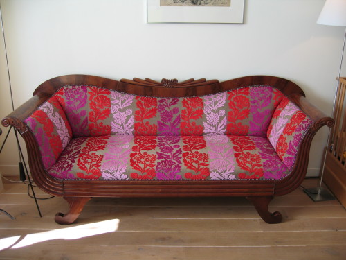 Biedermeier bank in Designers Guild velours