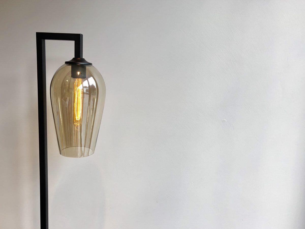 Nieuw: vloerlamp glazen kap